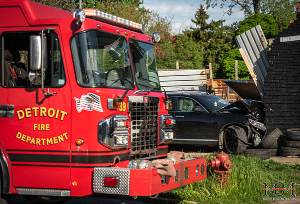 Detroit MI, Vehicle vs Building 5-25-2020