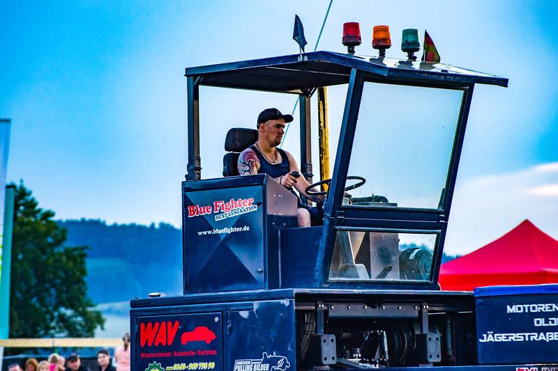 Tractor Pulling 2015-01708.jpg