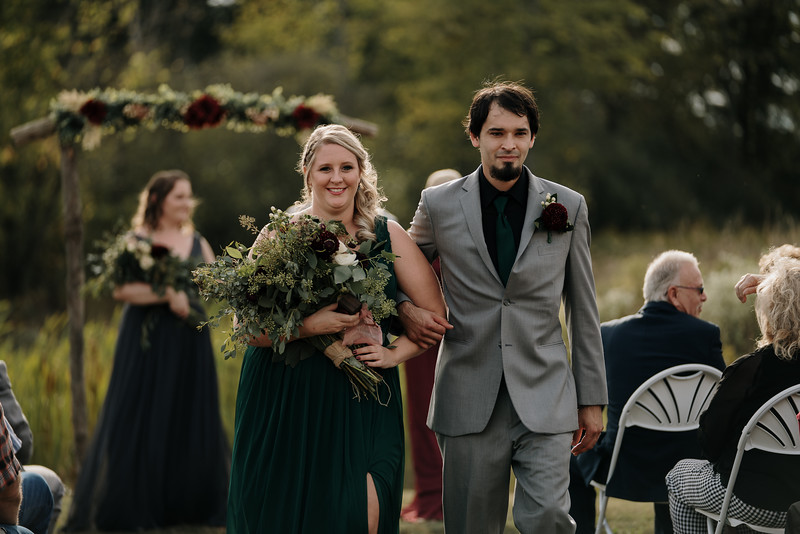 rustic_ohio__fall_barn_wedding-239.jpg