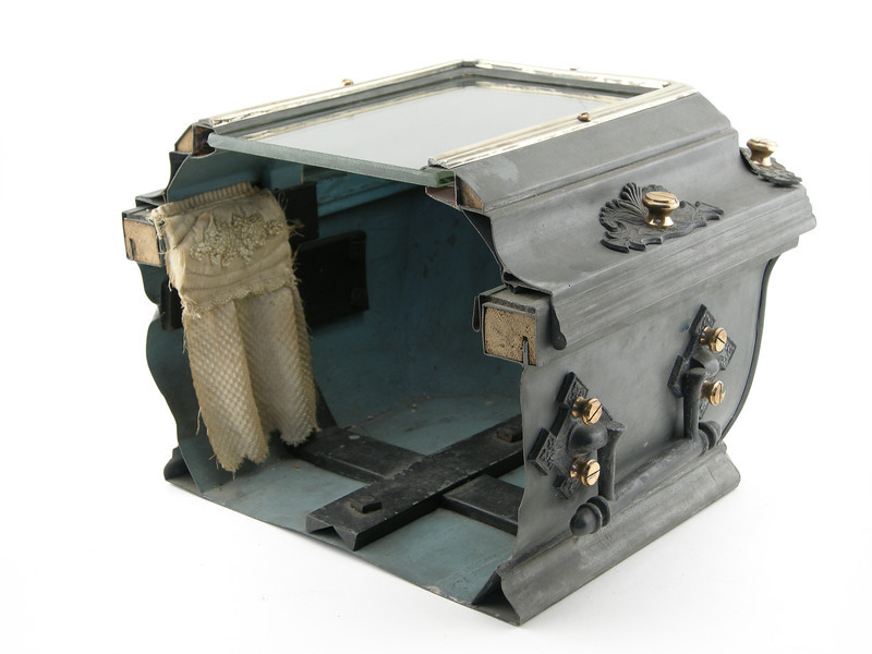 27. Improvement in Metalic Burial Cases.jpg
