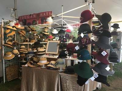 New Paltz Craft Fair, working for Carole, selling hats 9.1.18