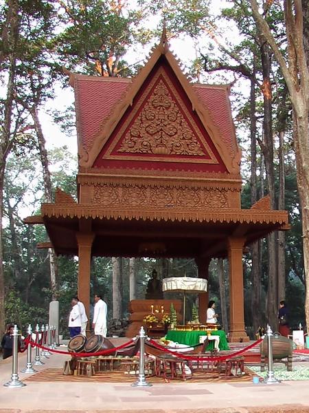 Preparing For King's Visit to Angkor Wat (December 20, 2004)