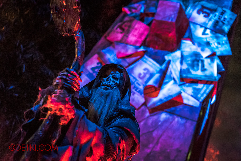 Halloween Horror Nights 7 - Happy Horror Days scare zone / Father Time