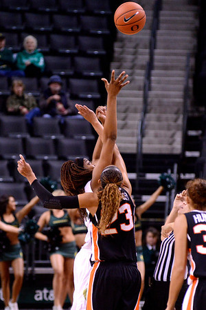 Women Duck Basketball v Oregon St