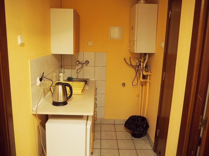 P7240046-kitchenette.jpg