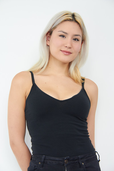 @andreaaa.pdf 5'7 | Shirt S | Dress: 4 | Shoes 8.5 | 130 lbs Ethnicity: Chinese Mixed Skills: Chinese German Mix, Singing (Soprano), Beginning Boxing, Accents (Australian, British, Scottish). Comedian.