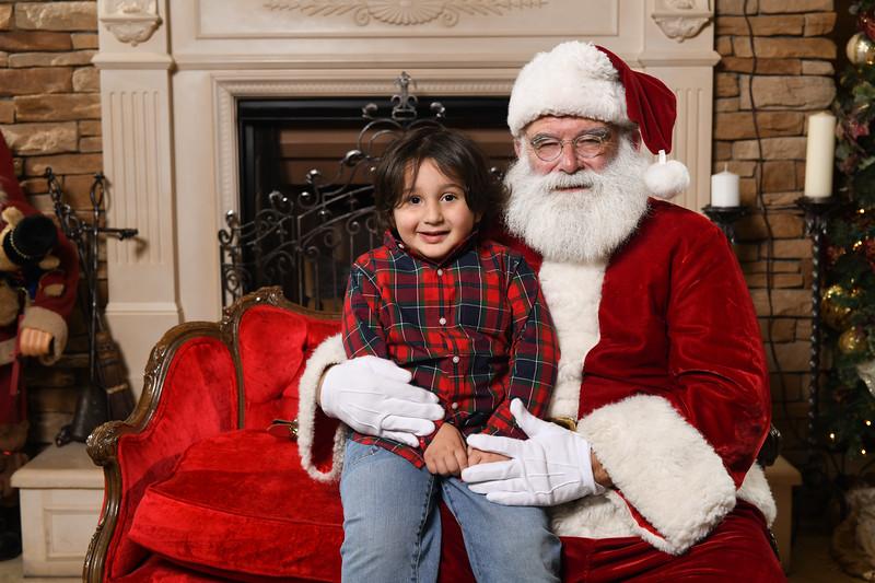 Santa2018.TylerBoye.-157.jpg