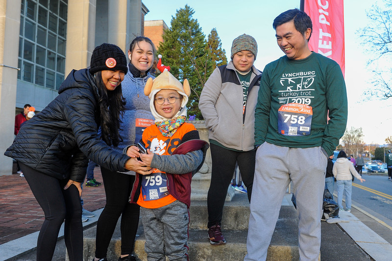 2019 Lynchburg Turkey Trot 026.jpg