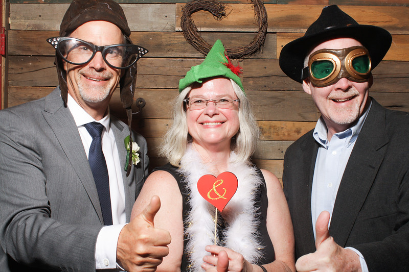 AmyAdamWeddingPhotobooth-0117.jpg