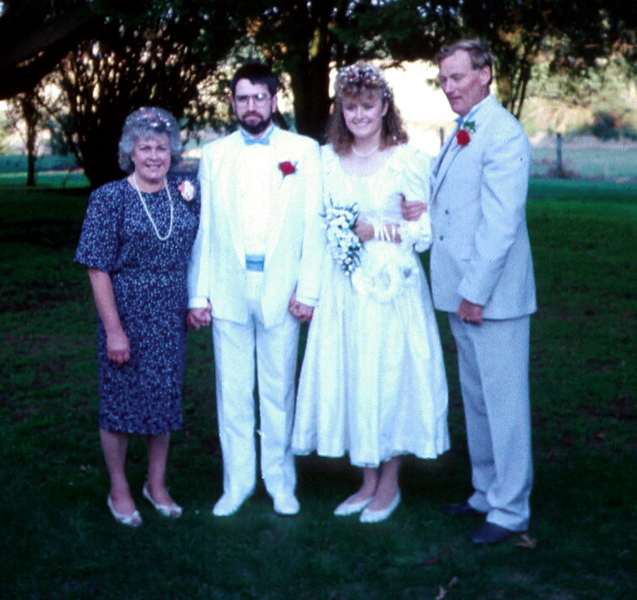1989-3-19  Susan & Ewan wedding day with Mum & Dad.jpg