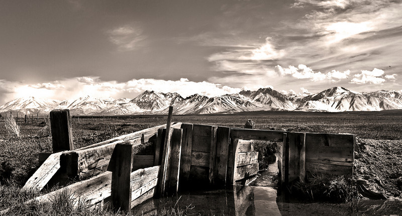 Irrigation control gate along the Owens River. Eastern Sierra Nevada, California