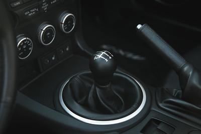 Install: Raceseng Contour Shift Knob