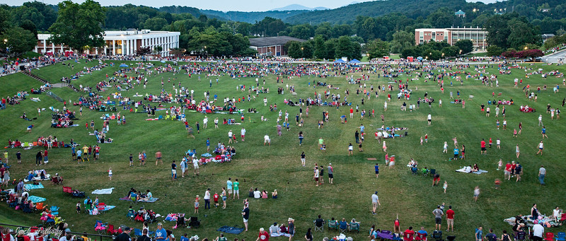 Crowd gathering before dark awaiting the beginning of fireworks.