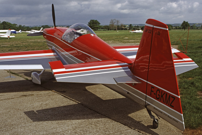 F-GKMZ-MudryCAP-232-Private-EGKH-1999-05-14-FW-26-KBVPCollection.jpg