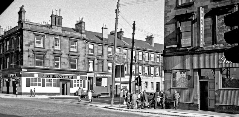 Paisley Rd at Admiral St.   Can't think who owned that pub on the far corner.      June 1975