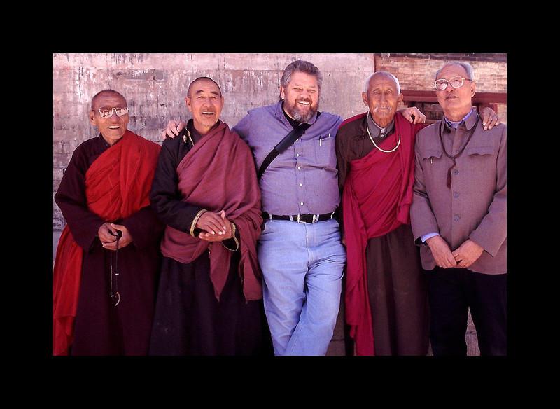 Monks in Wutaishhan - 2002.jpg