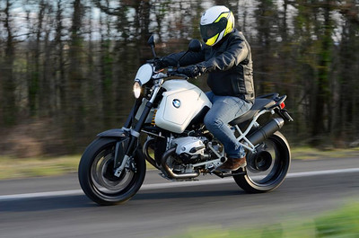 """Simple, elegant """"Street""""  1200Gs that looks like a 1100 at first.."""