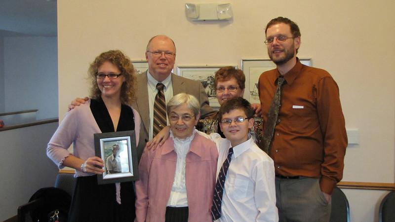 Elissa (with Grandpa), Warren, Judy, Chris, Grandma and Dylan