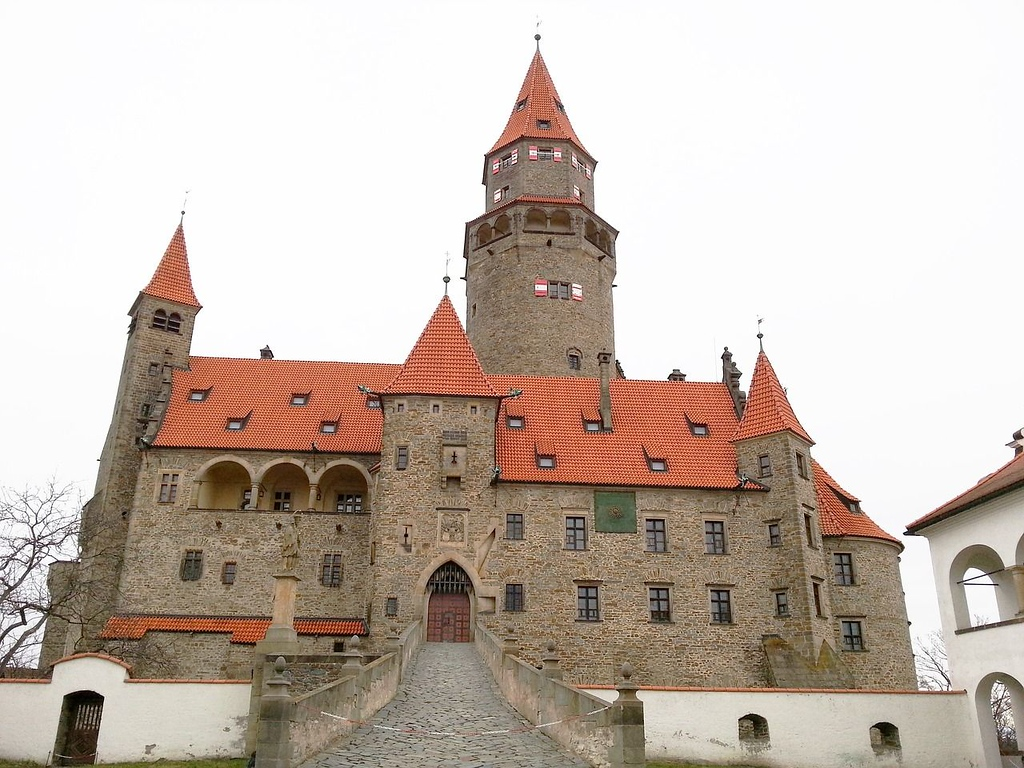 20 Things to do in Olomouc Czech Republic - Bouzov castle