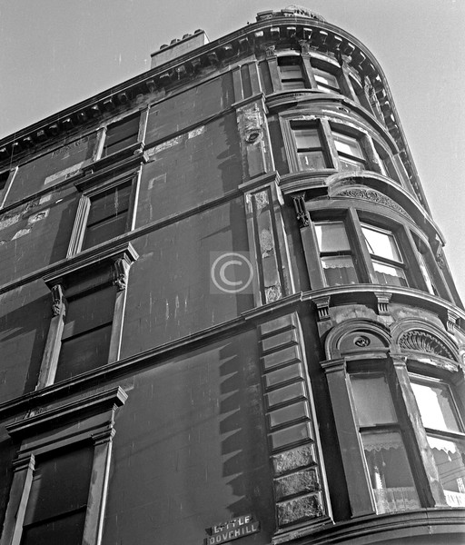 Corner of Little Dovehill and Gallowgate.   Building still there, renovated.    December 1975