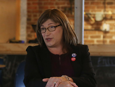 Governor Phil Scott and Christine Hallquist hit the election trail. 110518
