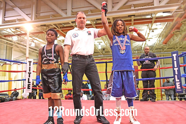 Bout 11 Andre' Dodson Jr, Blue Gloves, UBA, Cleve -vs- Michael Quarles Jr, Red Gloves, OTR, Cinci, 80 Lbs, 10-11 Yrs
