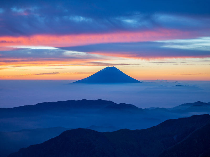 Mt Fuji from the southern Japan Alps. Editorial credit: Pongpet Sodchern / Shutterstock.com