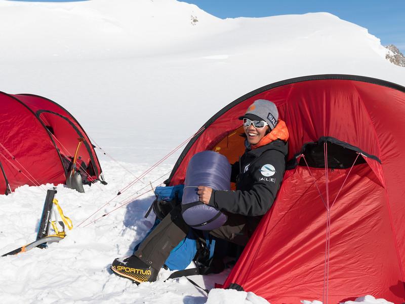Climb Antarctica Women -1-11-18099810.jpg