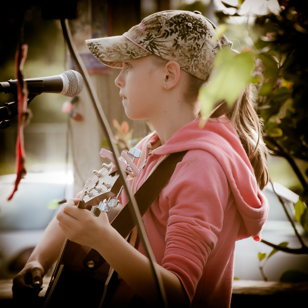 Abigail Taylor At Live Oak Bar and Grill