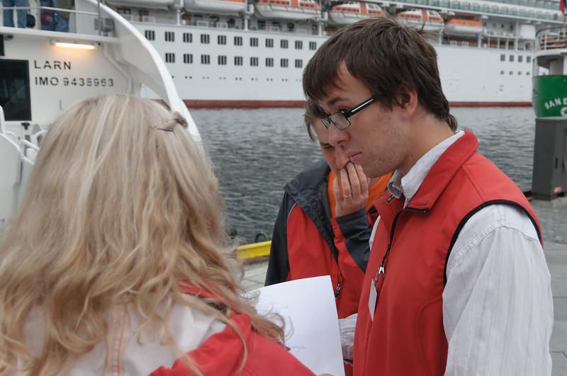 Ludwig hatte eine Tour auf dem Lysefjord. Hier ist er etwas skeptisch. Die geplante Zeit reicht nicht nach seiner Meinung.