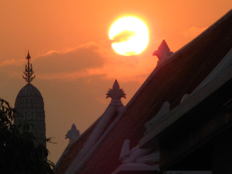 Sundown at Wat PHo