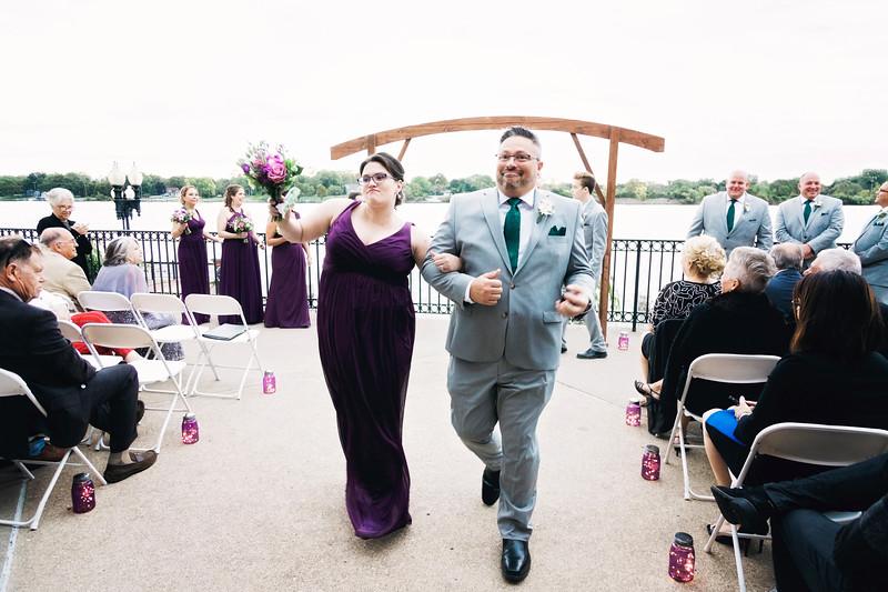 chateau-on-the-river-trenton-michigan-wedding-0310.jpg