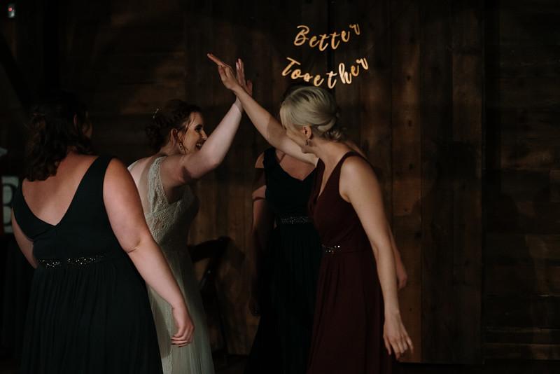 rustic_ohio__fall_barn_wedding-436.jpg