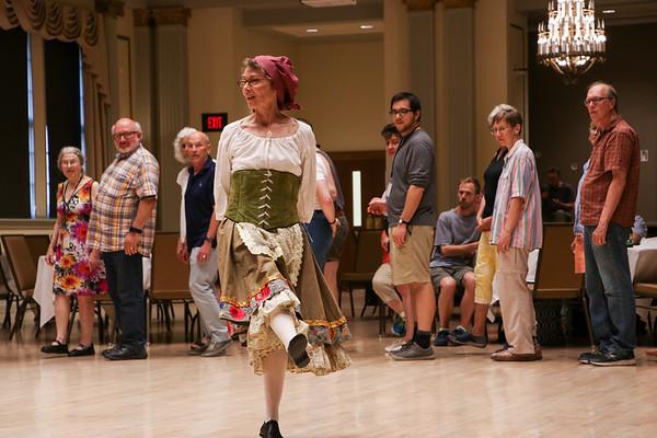 MEMF Dance: Tanzen und Springen