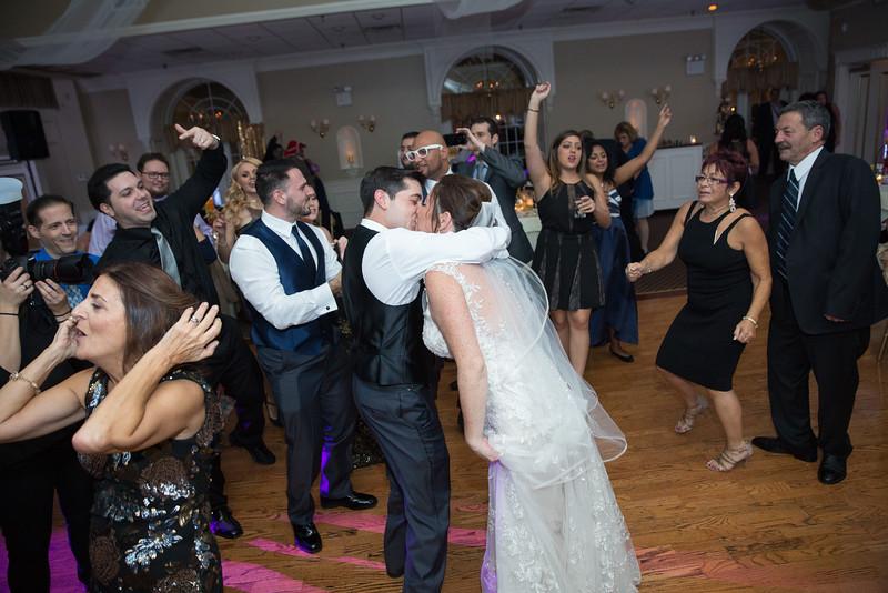1088_loriann_chris_new_York_wedding _photography_readytogo.nyc-.jpg