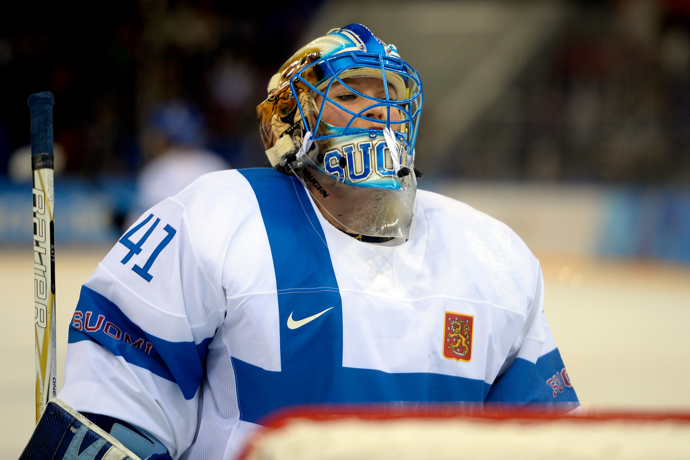 . Finland\'s Noora Raty takes a breather during the third period of the United States\' 3-1 win against Finland. Sochi 2014 Winter Olympics on Saturday, February 8, 2014. (Photo by AAron Ontiveroz/The Denver Post)