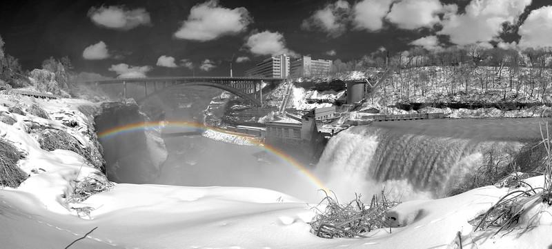 20110324_Lower Falls_1714HDRPanbw.jpg