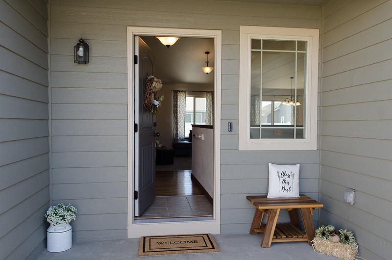 Exterior entry (2).jpg