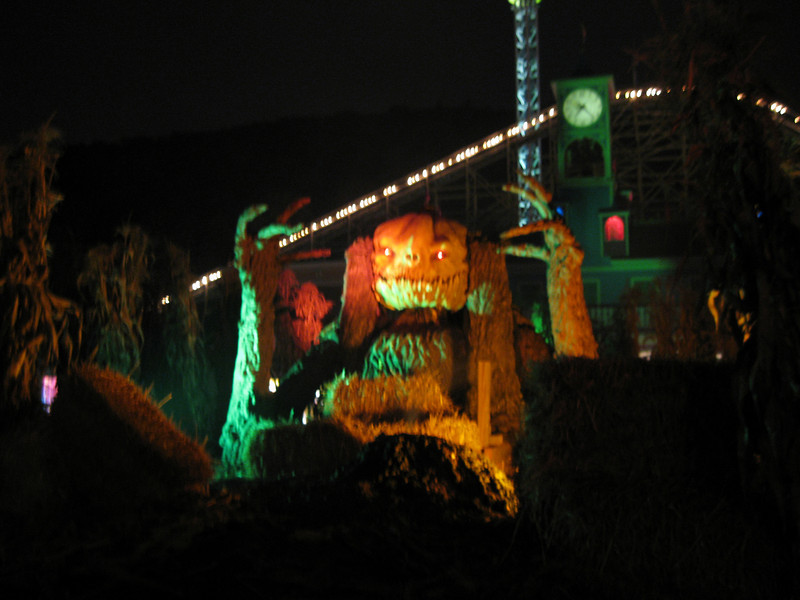 I visited Lake Compounce on Friday, October 2, 2009.