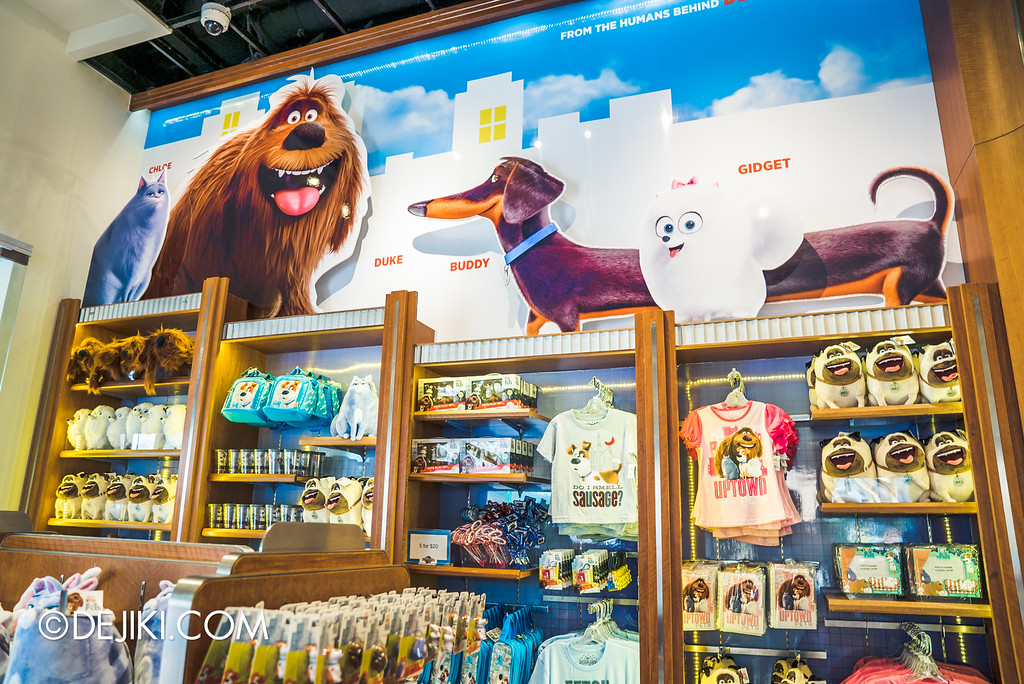 Universal Studios Singapore - Park Update September 2016 / Secret Life of Pets store display 5