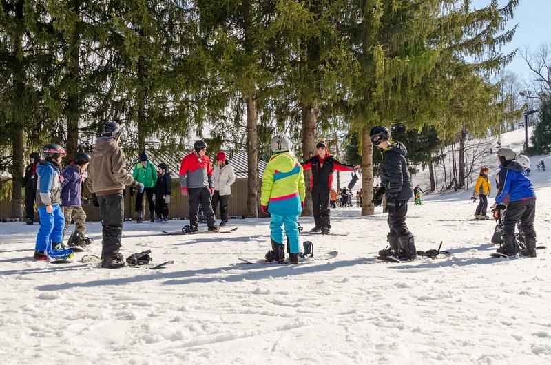Beginners-Area_Snow-Trails-74463.jpg