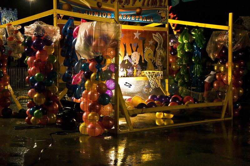 Balloon booth.jpg