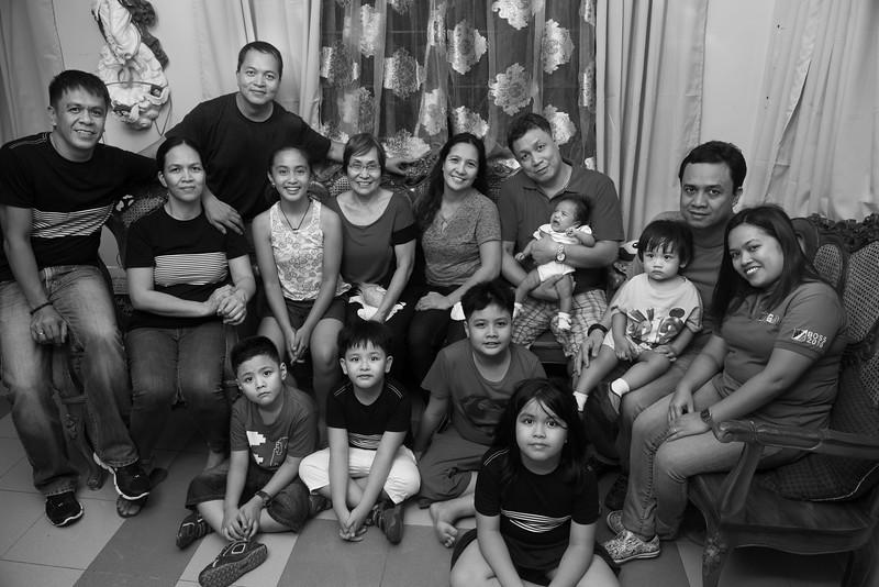 Velardes Family Portrait-20.jpg
