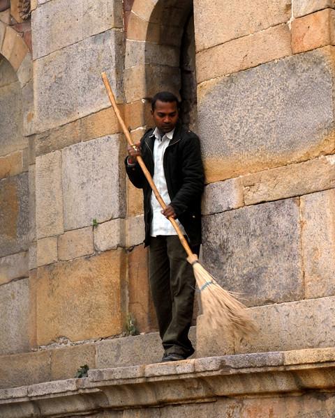1 800 tomb cleaner.jpg