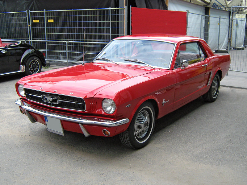 1965_Ford_Mustang_2D_Hardtop_Front.jpg