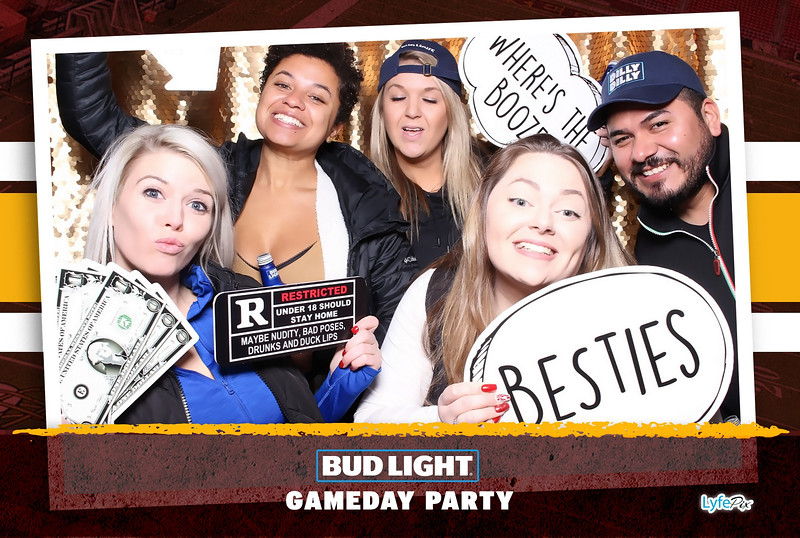 washington-redskins-philadelphia-eagles-football-bud-light-photobooth-20181203-211859.jpg