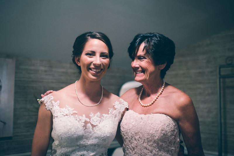 Philadelphia Wedding Photographer - Bernreuther-222.jpg