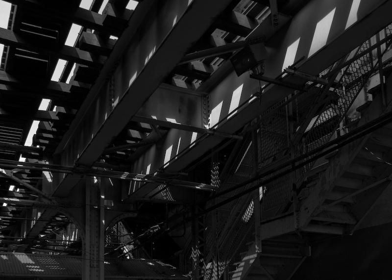 Abstract el train geometry