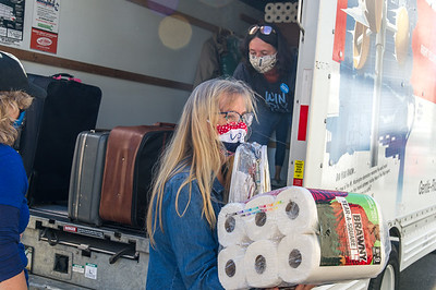 Terrie Martin delivering donations to Unete