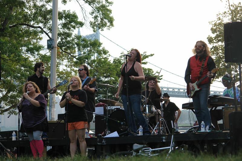 ASTORIA MUSIC AND ARTS FESTIVAL 2009                                                                                              Mainline Gypsy                                                                                              http://www.myspace.com/mainlinegypsy